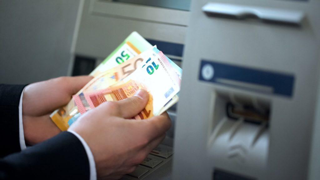【小學堂】旅遊英文-旅行中兌換貨幣常用句型