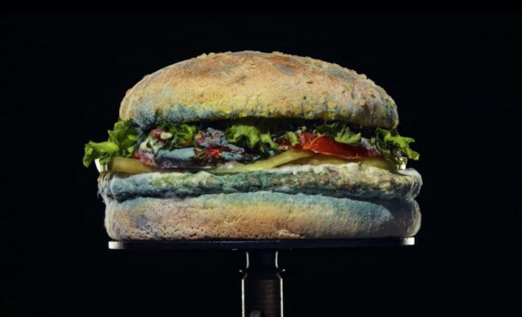 漢堡王超酷行銷法!為什麼紀錄華堡 34 天發霉過程,會讓你花錢買更多?