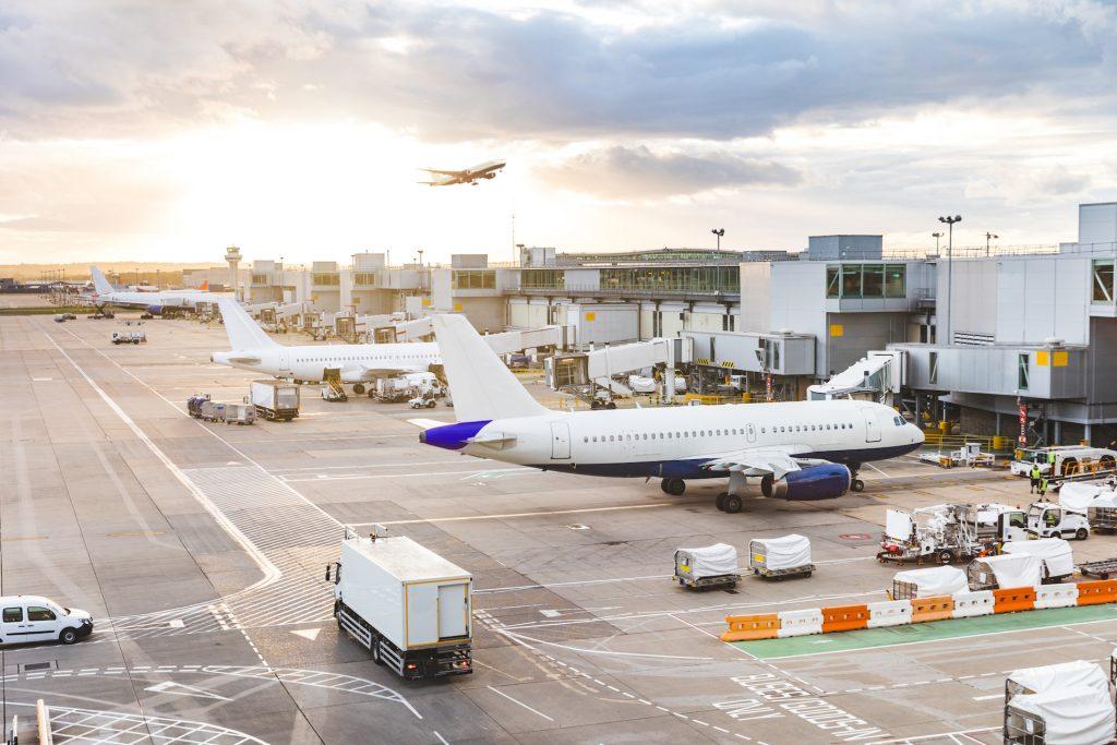 沒人搭照樣要飛,肺炎疫情在歐洲造就「無人航班」出現!