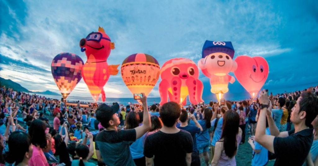 【踩點吧】2020台東熱氣球嘉年華! 一起來追「球」好嗎?
